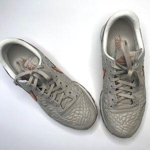 quality design eb914 e52fd Nike Shoes - Nike Air Pegasus  83 Premium Quilt Size 7